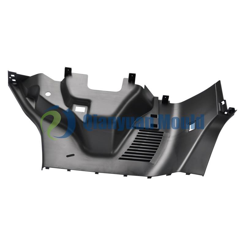 Wheel housing trim mould